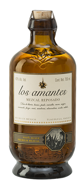 Los Amantes Mezcal Reposado bottle